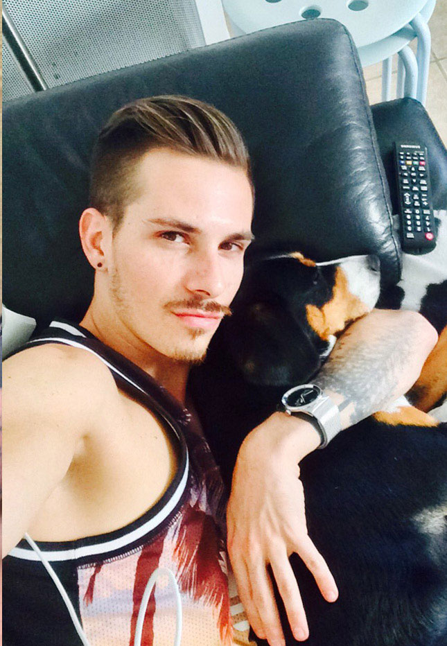 Young, handsome Nathan Hope is doing cam shows