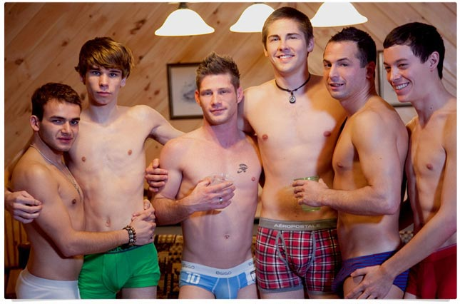 It's all about orgies today! Twinks & older muscle guys