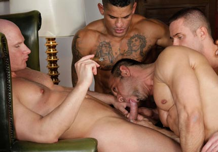 handsome-jock-worships-services-three-cocks