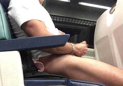 jerking-and-cumming-in-a-train-carriage