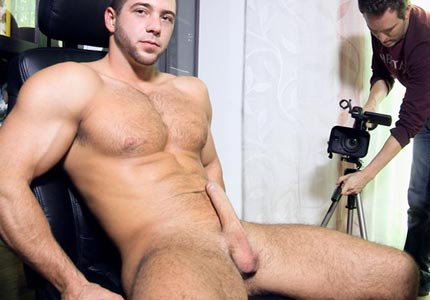straight-guy-sucked-off-gay