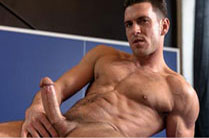 Thick dick bliss- Paddy O'Brian sticks his English dick into muscular stud Damien Crosse